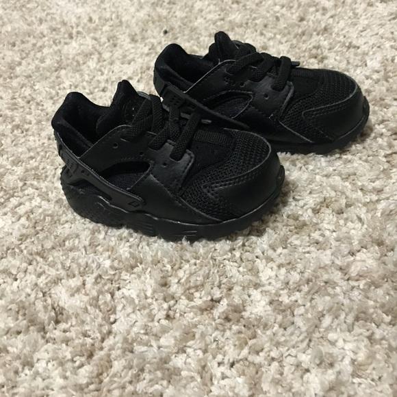 Black Nike Huarache Shoes   Poshmark